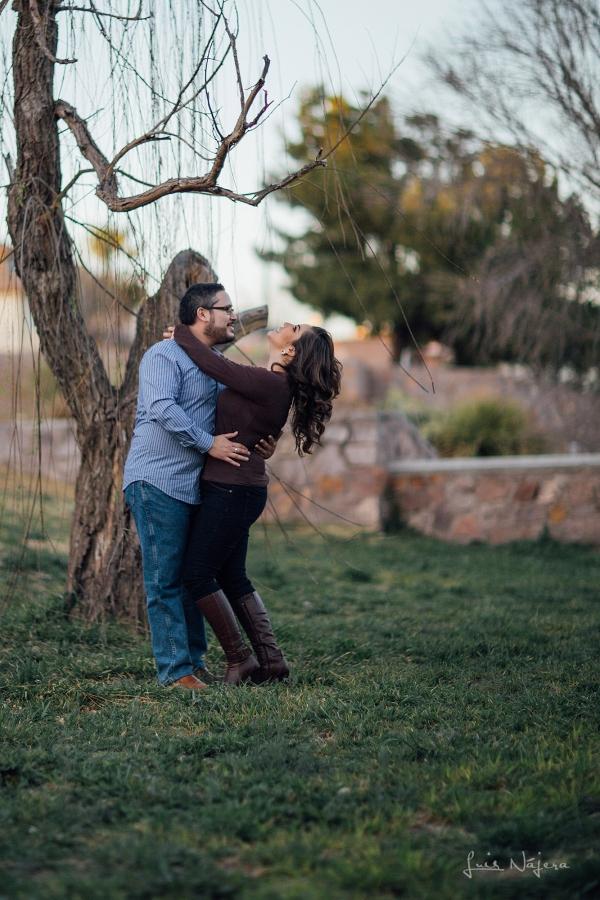 fotografo, chihuahua, mexico, novios, boda, fotografía, e-session, sesion de compromiso, sesión casual, centro chihuahua, parque