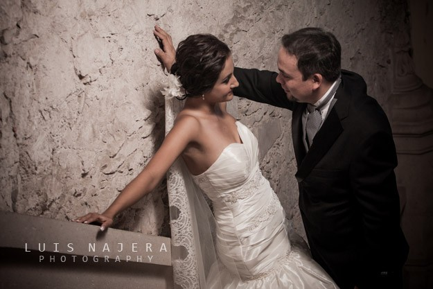 boda, chihuahua, fotógrafo, profesional, vestido, palacio de gobierno, ariana