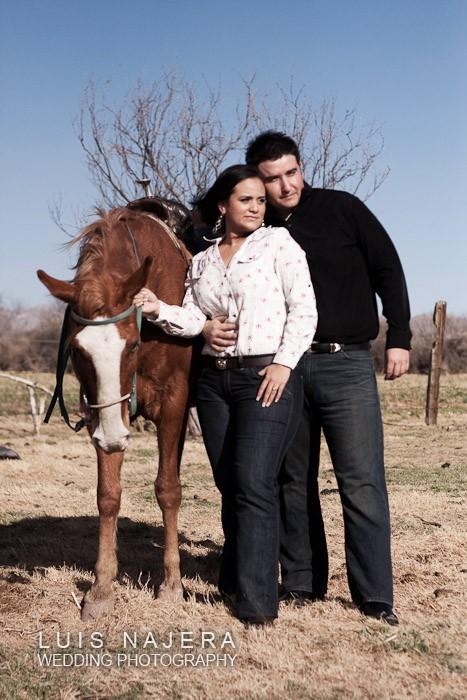 caballos sesion casual en un rancho cerca de Chihuahua
