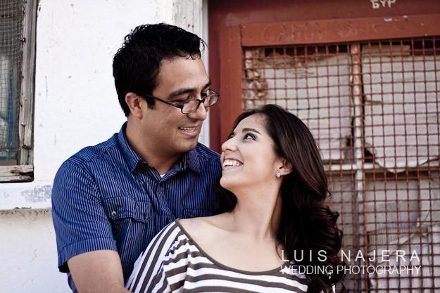 Julieta y carlos en sesión de pedida y fotografía profesional de pedida de novia