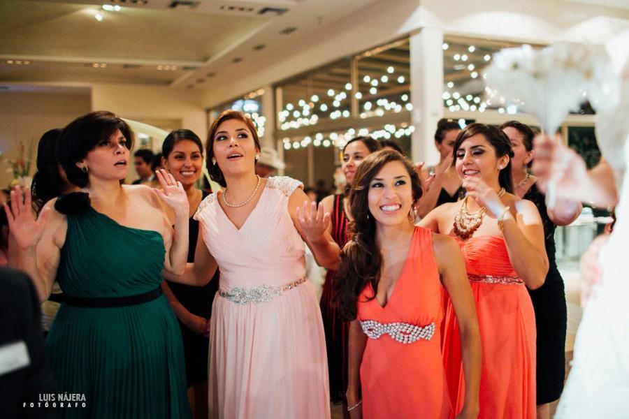 Boda, wedding, sesión fotográfica, wedding photography, chihuahua, photographer, fotógrafo de bodas, fun, fiesta, party, ramo