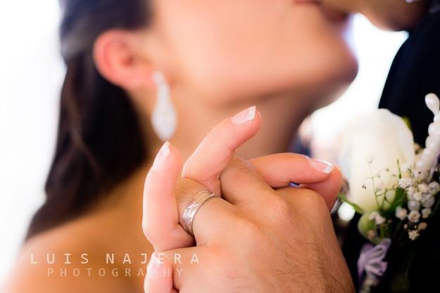 boda, fotógrafo, chihuahua, iglesia, profesional, bougambilias, anillo de matriminio