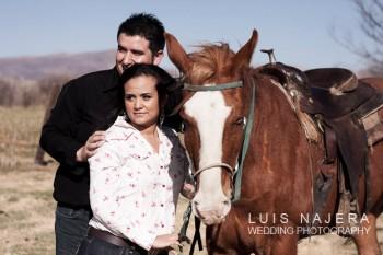 rancho, caballos, fotógrafo profesional, seisón de compromiso, e-session