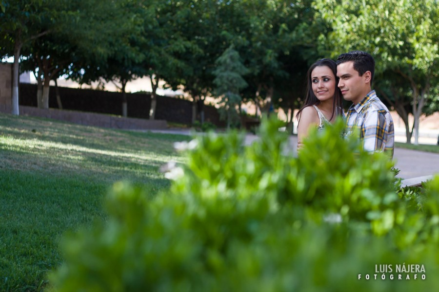 viridiana, rafael, san charbel, parque, chihuahua, fotógrafo, profesional, bodas, novios