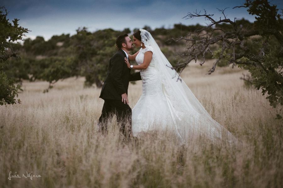 Boda, wedding, sesión fotográfica, wedding photography, chihuahua, photographer, fotógrafo de bodas, country, campo, thrash the dress, ensucia el bestido, strobist